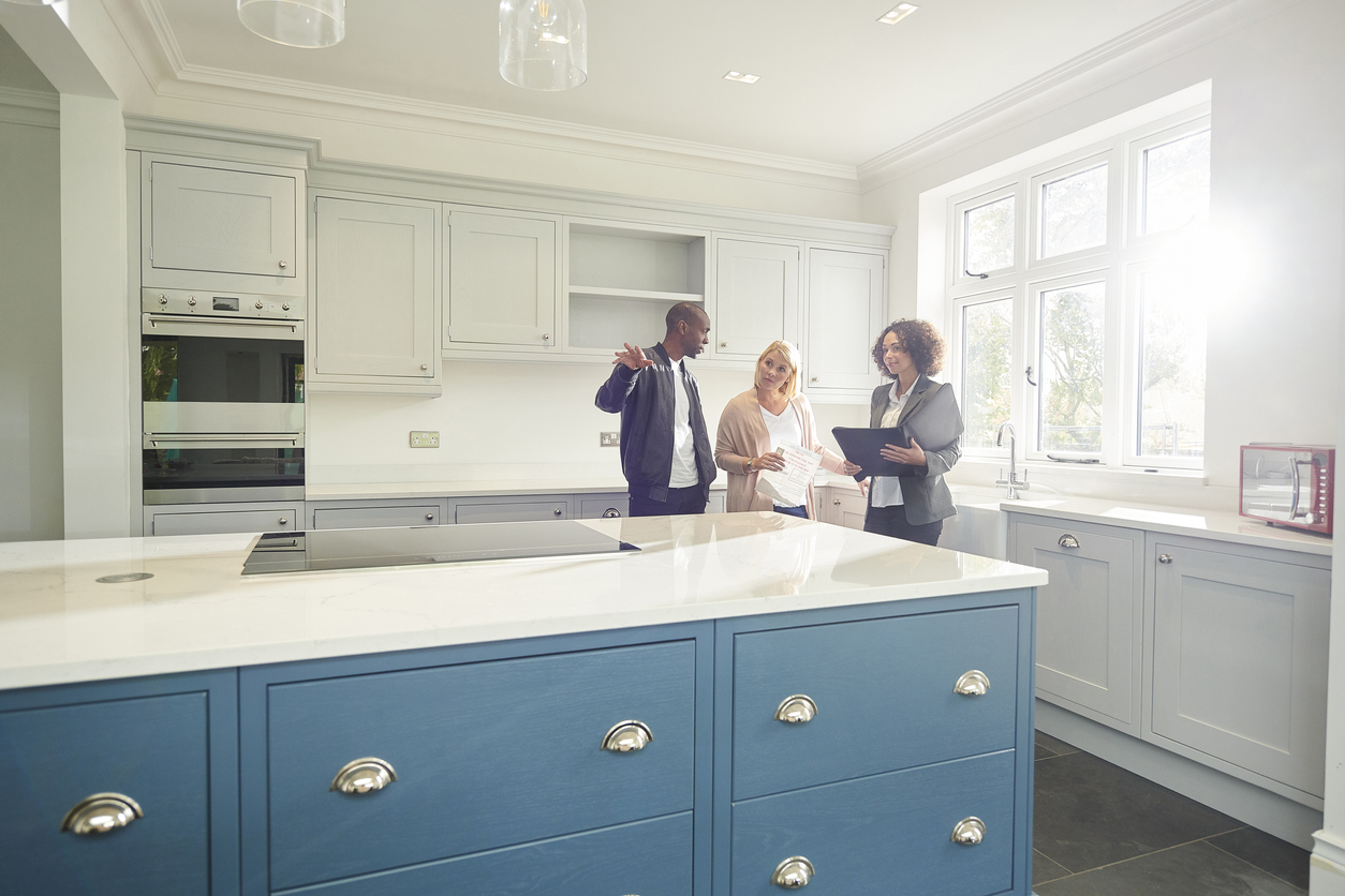Can your buyers and tenants view on Sundays?